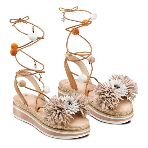 Sandali con lacci e applicazioni bata, beige, 561-8272 - 16