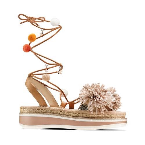 Sandali con lacci e applicazioni bata, beige, 561-8272 - 13